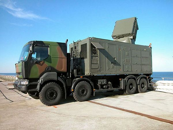 Eurosam_SAMP-T_radar_module_Arabel_Renault_truck_MBDA_France_French_army_004