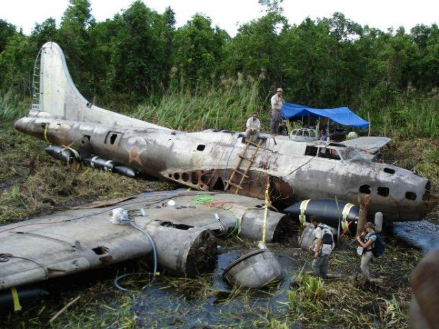 11490-Boeing-B17-Flying-Fortress-Swamp-Ghost-640x480