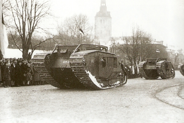 EST-Tanks-Mark_V-On_the_Republics_anniversary_parade_(24.02.1925)