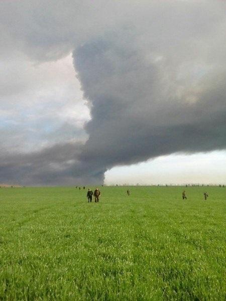 30 боевых машин и САУ рашистов не приедут на Донбасс – сгорели под Ростовом. ФОТО. ВИДЕО