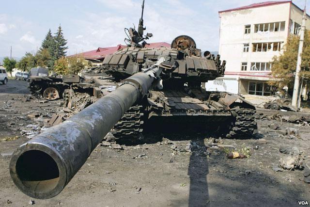 ცხინვალში ქართული T-72 ტიპის ტანკების აფეთქება 2008 წლის 8 აგვისტო (ვიდეო)