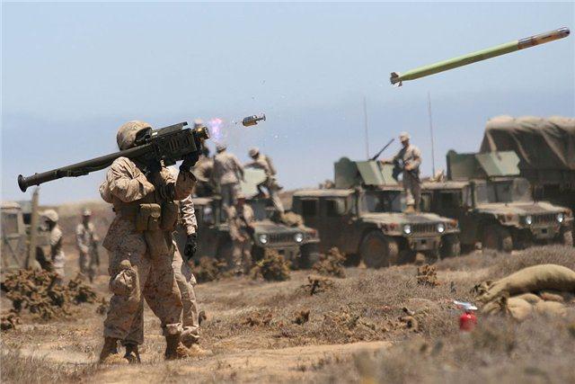 ასიმეტრიული ეწოდება ისეთ ომს, როდესაც, მეომარი მხარეების სამხედრო ძალა ერთმანეთისგან მკვეთრად განსხვავდება