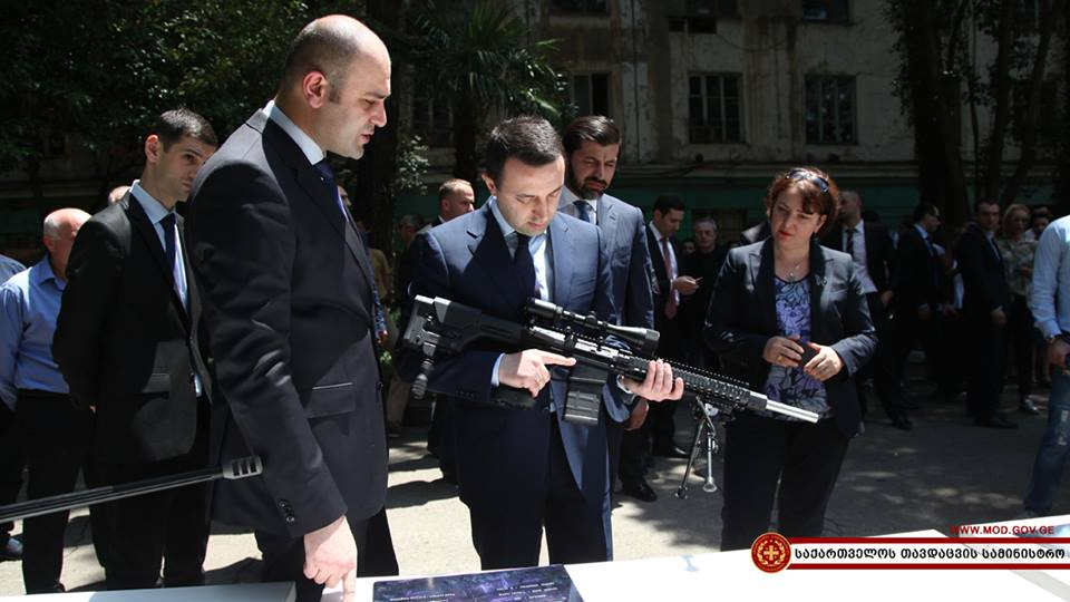 """პრემიერ-მინისტრი და თავდაცვის მინისტრი """"დელტას"""" ესტუმრნენ (ფოტო რეპორტაჟი)"""