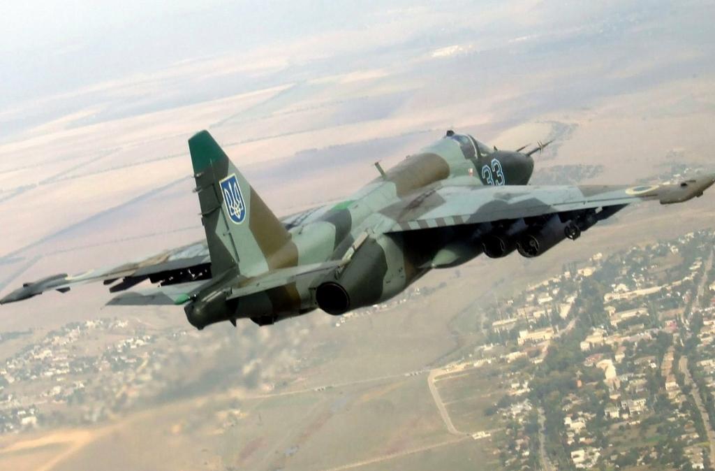 უკრაინული სუ-25 მოიერიშე თვითფრინავის მანვრირების უნიკალური კადრები
