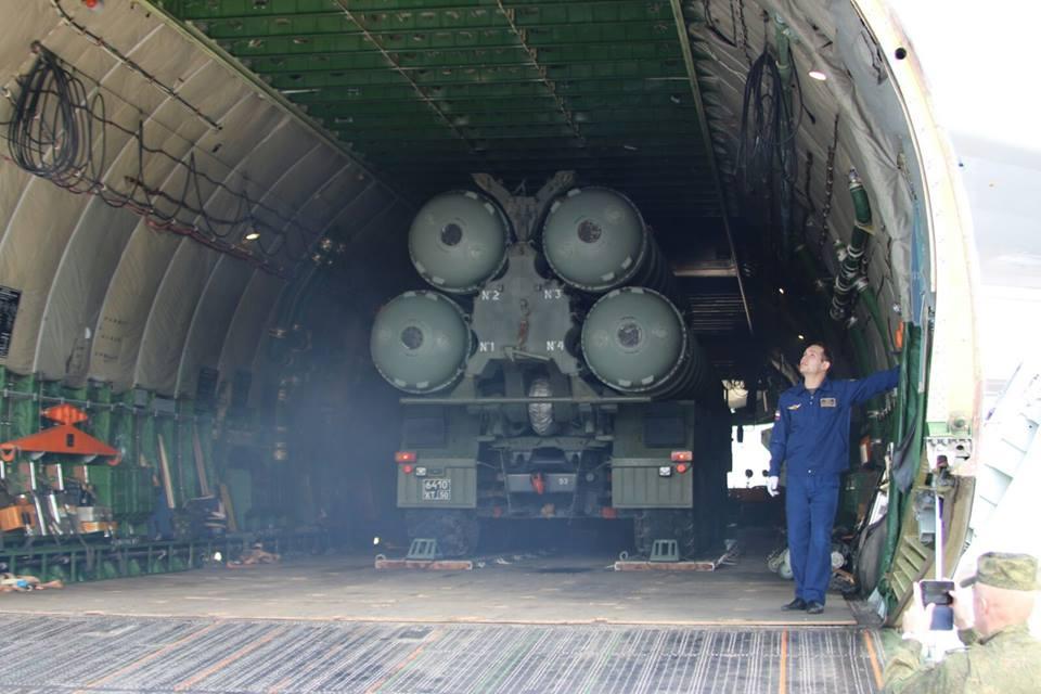 რუსეთმა სირიაში C-400 Triumf ტიპის უახლესი მობილური საზენიტო სარაკეტო კომპლექსების გადასროლა დაიწყო.(ფოტო რეპორტაჟი)