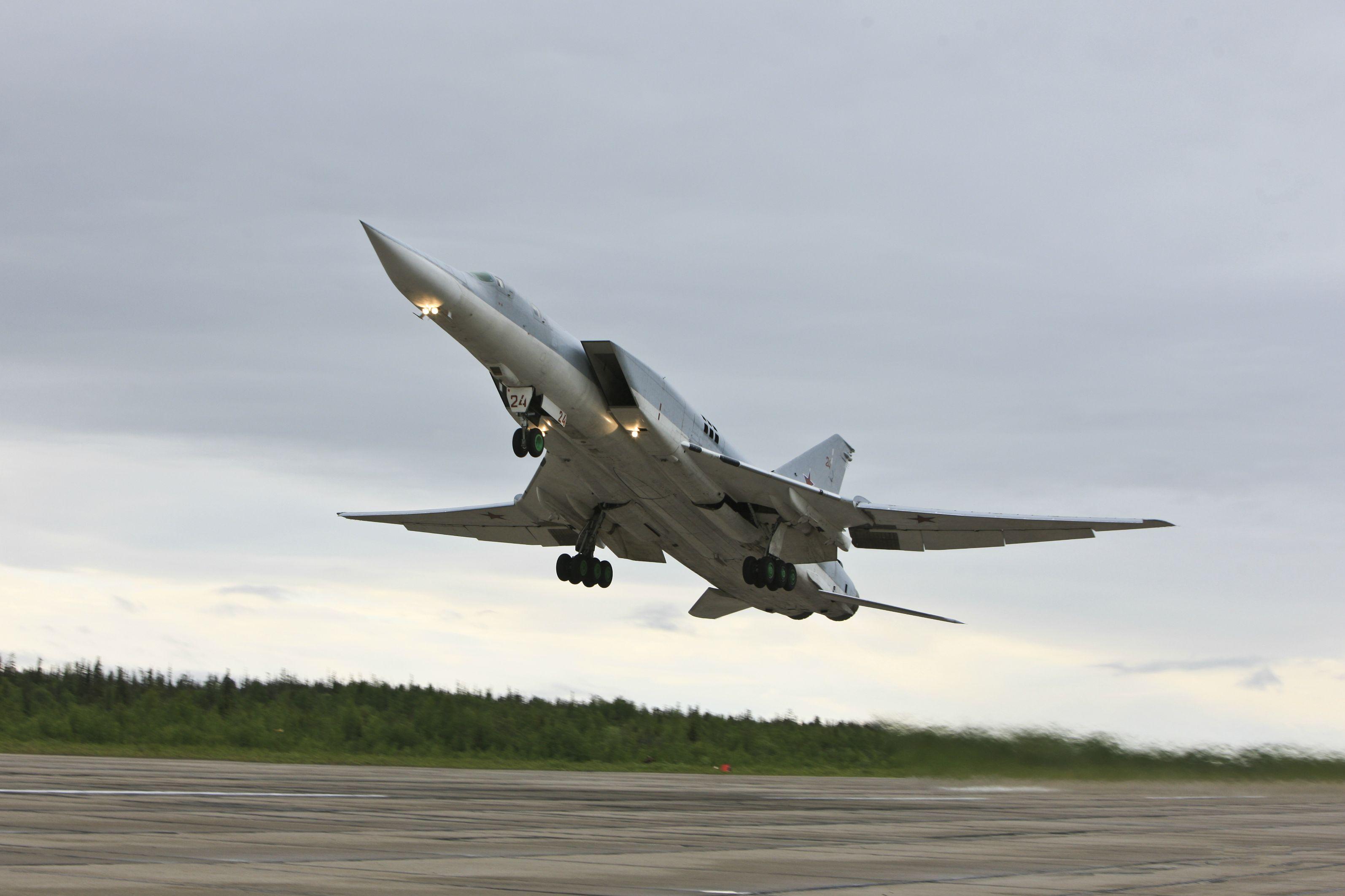 რუსეთის სამხედრო საჰაერო ძალების  Ty-160,Ty-95mc და Ty-22m3 ტიპის ბომდამშენი თვითფრინავები ფრთოსანი რაკეტებითდა საავიაციო ბომბებით მასიურად ბომბავენ სილამური სახელმწიფოს სამხედრო ობიექტებს