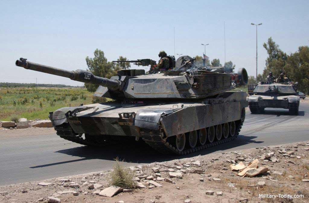 ერაყელმა პარტიზანებმა RPG-7 ტიპის ხელის ტანკსაწინააღმდეგო ყუმბარსატყორცნებით ამერიკის არმიის M1A2 abrams ტიპის ტანკი ააფეთქეს.(ვიდეო)