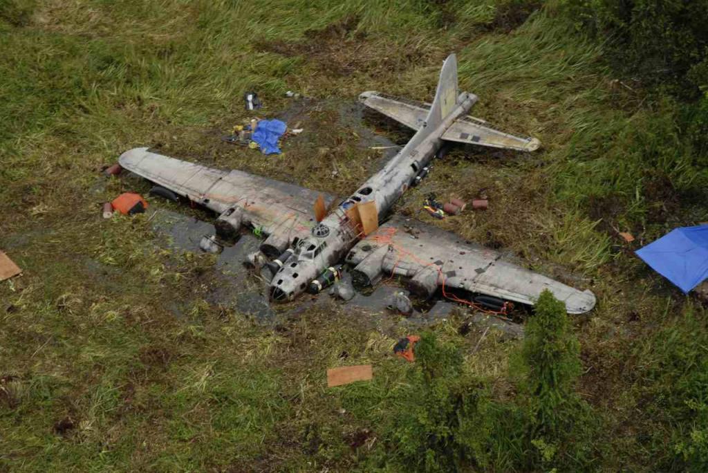 """B-17 """"ჭაობის მოჩვენება"""" – ნაპოვნი 68 წლის შემდეგ ჯუნგლებში (ვიდეო)"""