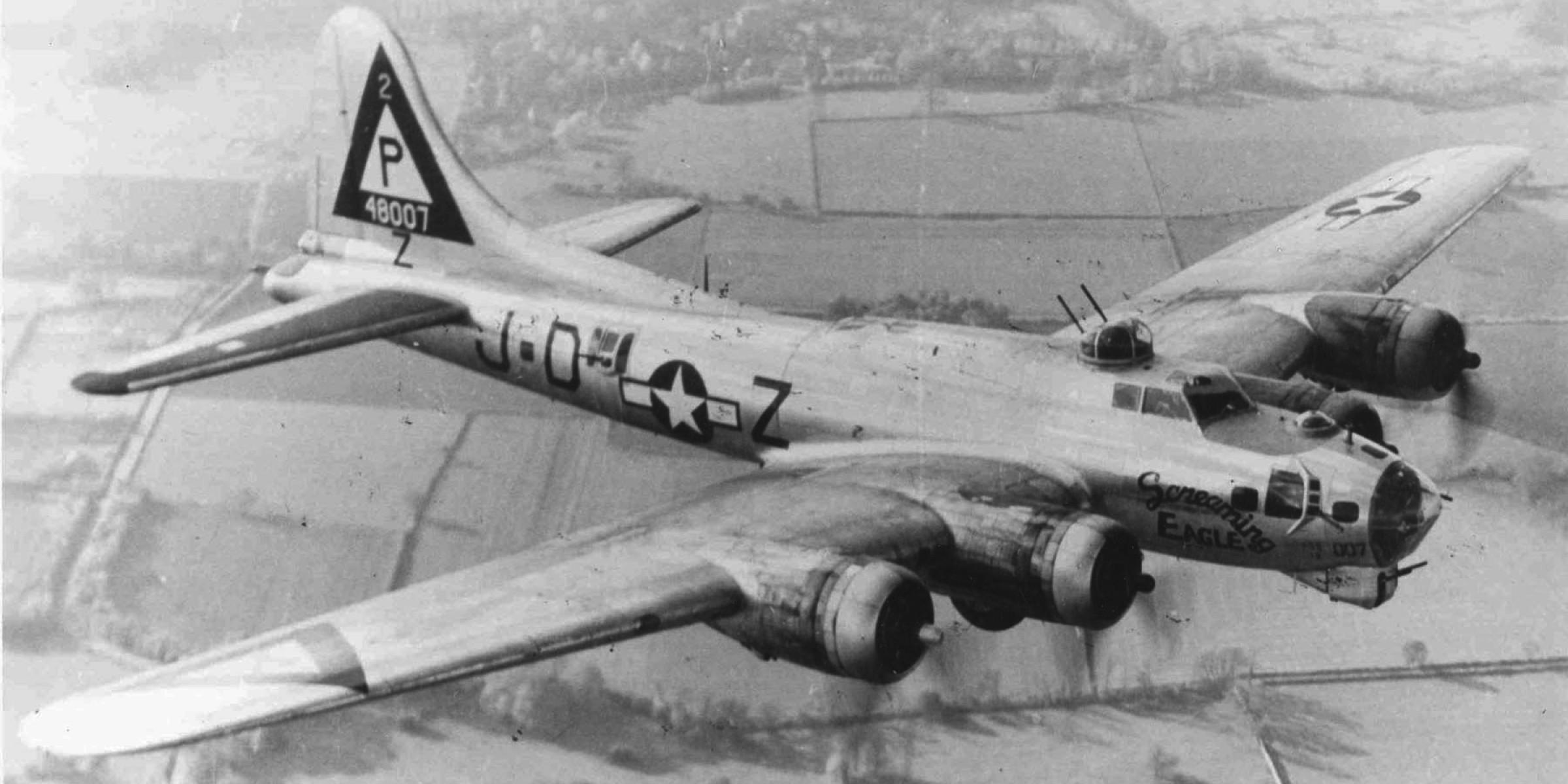 პირველი საბრძოლო გაფრენა ამერიკული  B-17 ტიპის ბომდამშენი თვითფრინავების გერმანიის დასაბომბად (დოკუმენტური ვიდეო)