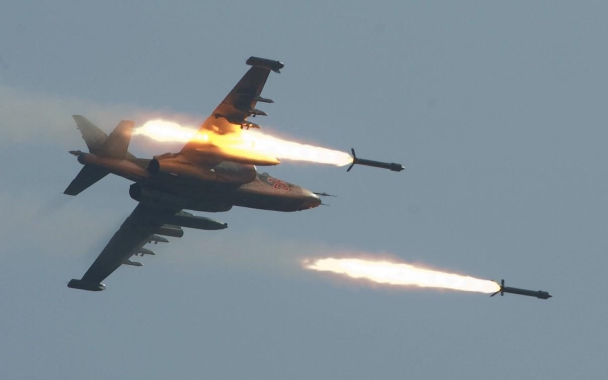 უკრაინამ 2014-2015 წელს აღმოსავლეთ რეგიონებში სეპარატისტებთან   ბრძოლებში ეფექტურად გამოიყენა Cy-25 ტიპის მოიერიშე თვითფრინავები.