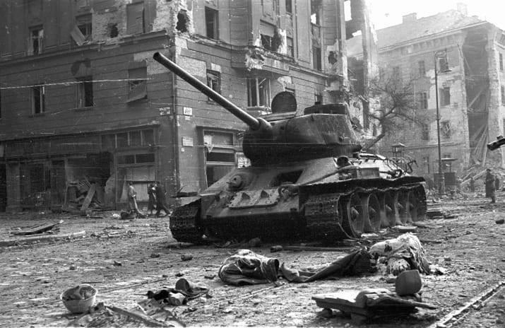 ქართველი ტანკისტების გმირობა 1956 წლის უნგრეთის მოვლენების დროს.
