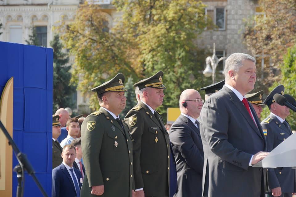 თავდაცვის მინისტრი უკრაინის დამოუკიდებლობის დღისადმი მიძღვნილ აღლუმს დაესწრო