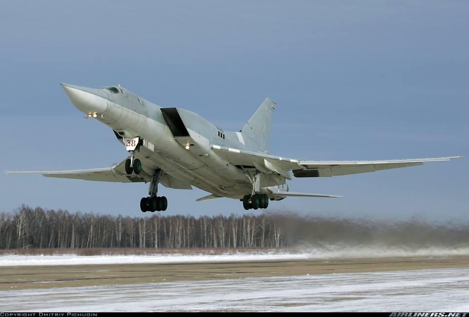 ინტერნეტში  რუსული Ту-22М3  ბომდამშენის ჩამოვარდნის ვიდეო  ვრცელდება