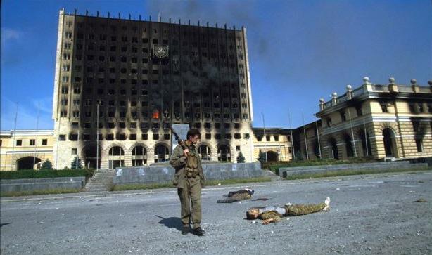 1993 წლის 27 სექტემბერი აფხაზების მიერ გადაღებული  სოხუმის აღების საათნახევრიანი ბრძოლის ამსახველი  ვიდეო