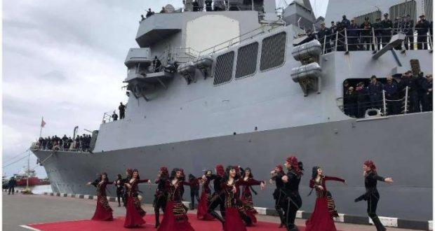 ნაღმოსანი USS Ross ბათუმის პორტში ღუზა უკვე კვირაზე მეტია, ჩაშვებული აქვს და 2 დღეში უკვე წასასვლელად ემზადება.