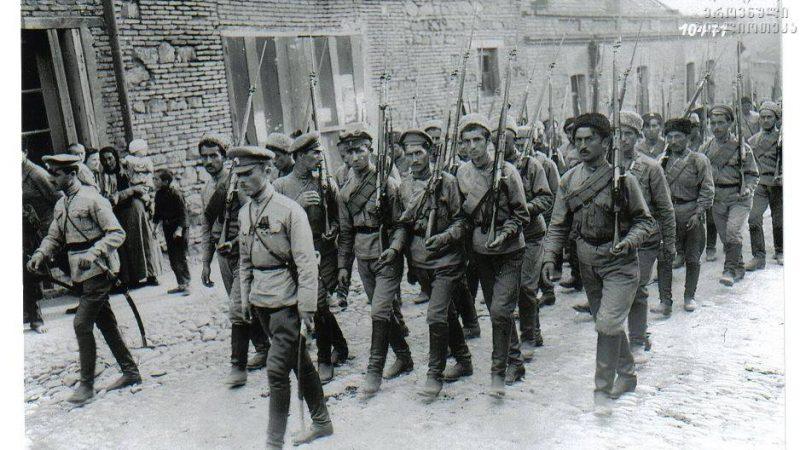 ქ.თბილისის მუნიციპალიტეტის  საკრებულოს სახელდებისა და სიმბოლიკის კომისია იმსჯელებს თბილისში არსებულ უსახელო ქუჩებისათვის 1921 წლის რუსეთ-საქართველოს ომში დაღუპული იუნკერების სახელების მინიჭებაზე.