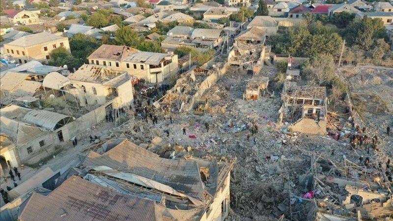 აზერბაიჯანის ქალაქ განჯის დაბომბვის შედეგად ათზე მეტი ადამიანი დაიღუპა.
