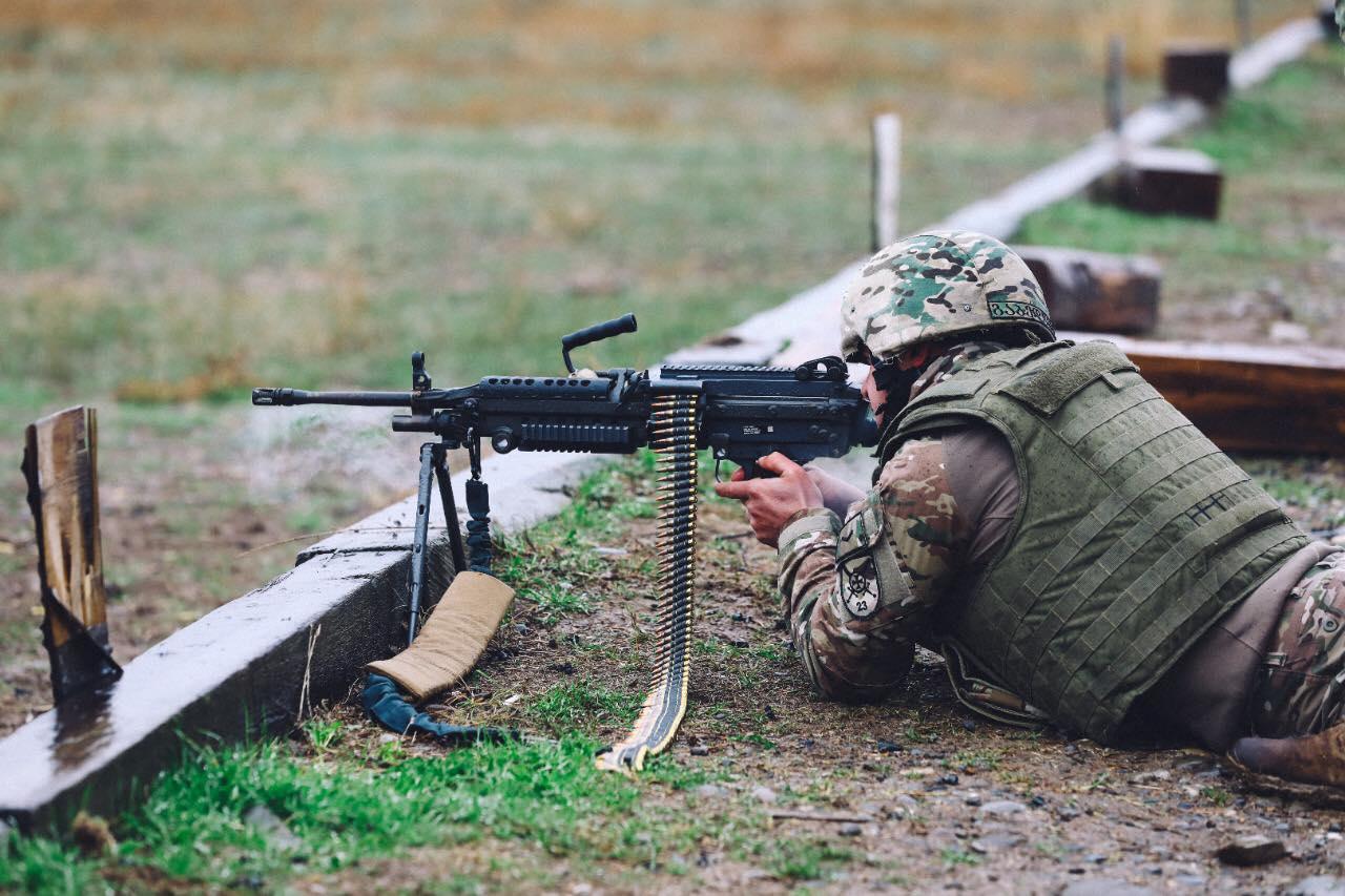 აშშ-მ საქართველოს თავდაცვის ძალებს 600 ცალი M249 ტიპის ტყვიმფრქვევი გადასცა.
